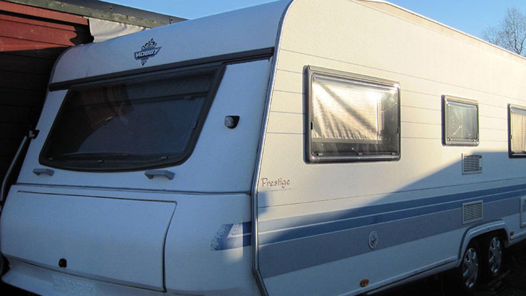Alt om strøm i campingvogner og bobiler | Din Fritid